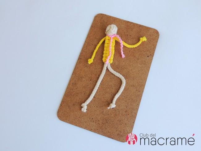 Agodoncín: Muñeco tejido en macramé