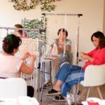 Diferencias entre clases, talleres y cursos de tejido en macramé