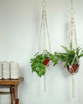 O n e – Colgador de plantas en Macramé